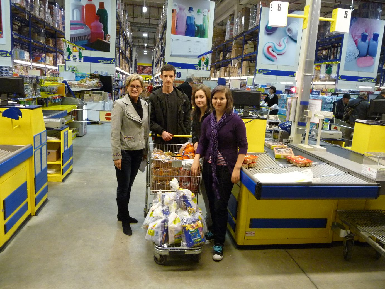 Voluntarii din Ioşia la Selgros