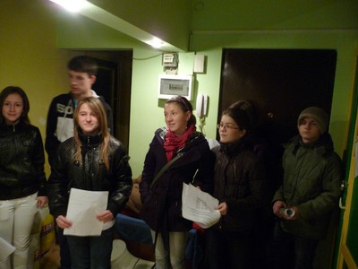 Voluntarii din Ioşia la beneficiari