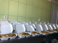 Voluntari pentru masa săracilor